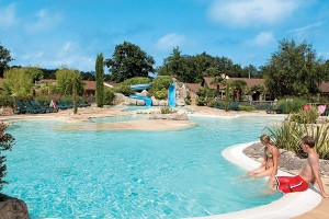 les Alicourts Resort - Canvas Holidays